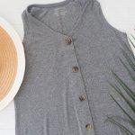 Vestido corto ideal para el embarazo y también para amamantar ya que tiene botones al frente para que dar la teta sea fácil y práctico.